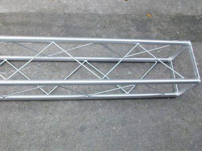 固定圆管桁架
